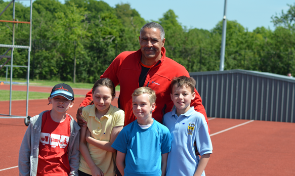 daley-thompson-with-kids